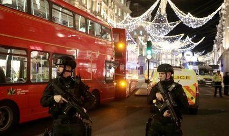 Breaking-Oxford-Street-terror-gunshots-884029.jpg