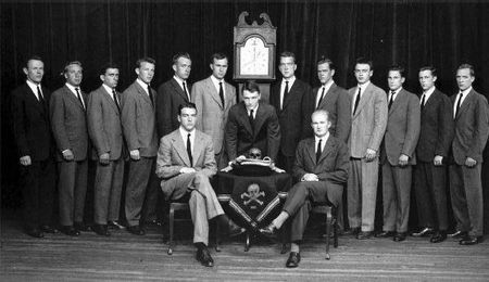 Skull_and_Crossbones_c1947,_GHW_Bush_left_of_clock.jpg