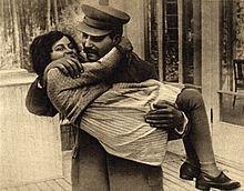 Stalin_with_daughter_Svetlana2C_1935-thumbnail2.jpg