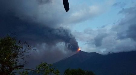 fuego-volcano-eruption-may-5-2017-guatemala-2.jpg