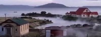 lake-rotorua-hydrothermal-eruption-november-28-2016-credit-lani-kereopa-f.jpg