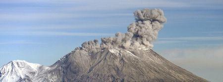 zhupanovsky-eruption-november-28-2014-by-a-sokorenko-ivs-feb-ras.jpg